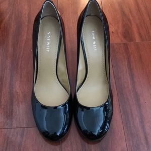 Nine West 9.5 Black Patent Leather Pumps